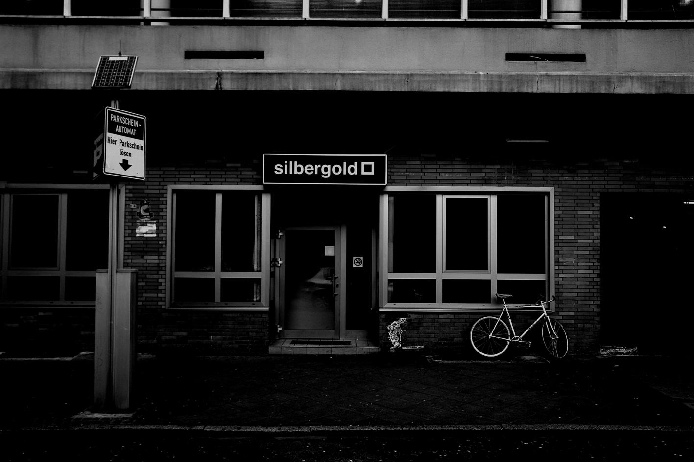 Innenausbau: Silbergold- Club